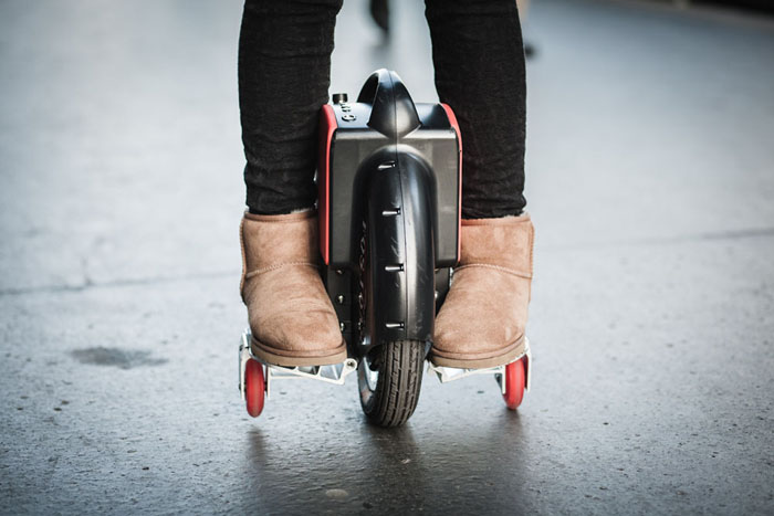 self-balancing one wheel electric scooter