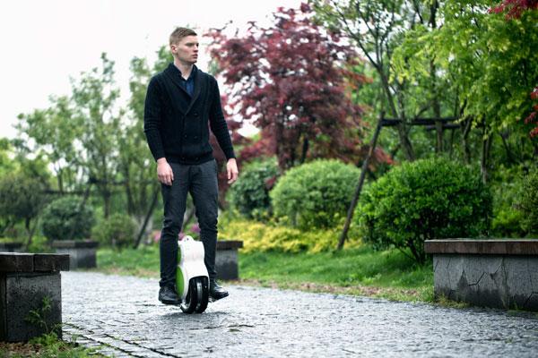 Fosjoas V5 twin-wheeled self-balancing scooter
