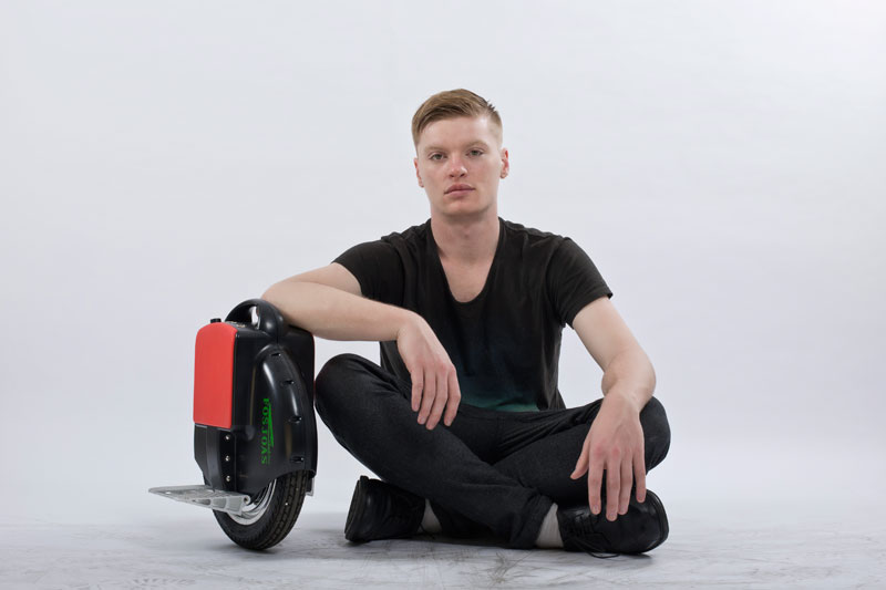 Arising Endless Passion—FOSJOAS V6 Single-Wheeled Electric Scooter